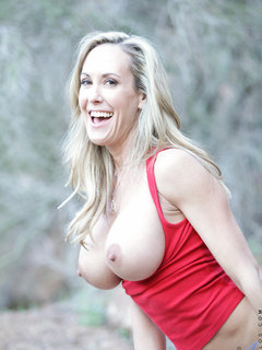Horny mom stops her hike outside to finger fuck her wet snatch