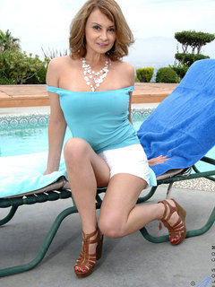 Classy Anilos Rebecca Bardoux isnt wearing a bra and the chill makes her nipples stiff
