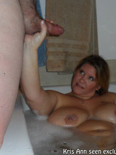 Kris Ann Give A Blowjob In The Bath Tub