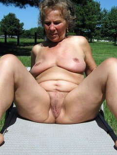 Outdoor mature pussy pics
