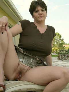 Mature amateur wives hairy pussy outdoors