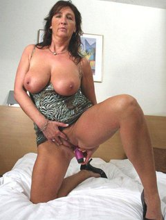 42 years mature  active sex by troc