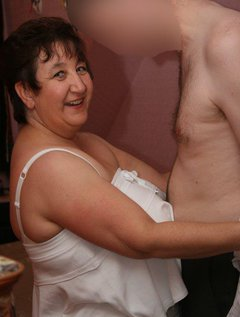 a gorgeous guy to play with xxxx