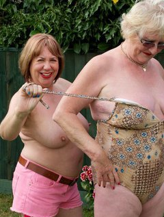 As Winter approaches its time to remember what a great Summer we had heres a set of me and Speedybee Stripping Off and P