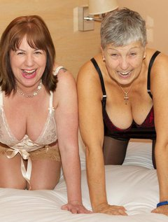 Hi Guys, I caught up with my Good Friend Speedybee at a local Hotel for some Hot Girlie Fun and a photo shoot, shes a na