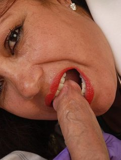 Mature Mexican Doctor Gives Blowjob / Picture # 4