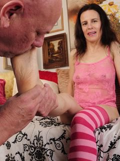 Mature Amateur Foot Job