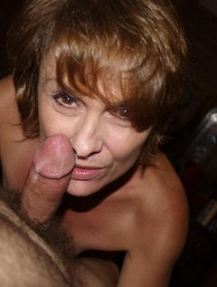 Shorthaired beautyfull mature taking facials / Picture # 0