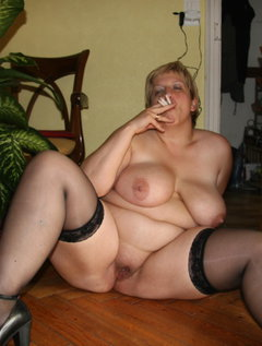Italian mature aunty fucking with young boy / Picture # 2