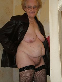 Mature granny the great experienced sex partner by troc / Picture # 9