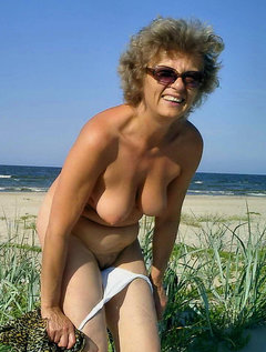 Mature milf  in seamed stockings strips and fingers / Picture # 7