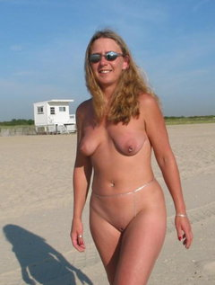 Mature milf  in seamed stockings strips and fingers / Picture # 6