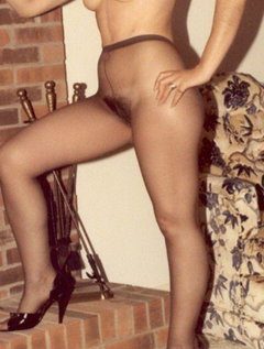 Amateur mature dress up and play / Picture # 4