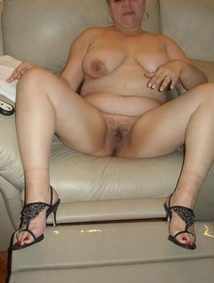 Amateur mature dress up and play / Picture # 6