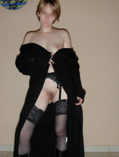 Amateur mature dress up and play / Picture # 7
