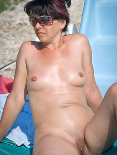 Mature v young hairy lesbian 2 / Picture # 3