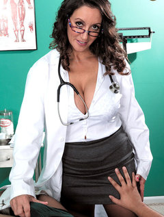 The Doctor Has Big Tits, A Hairy Pussy And A Dick-sucking Mouth / Picture # 3