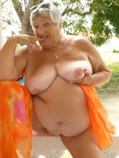 Granny is in Barbados again- playing around on my terrace.I have to take a beach wrap in case someone comes around u