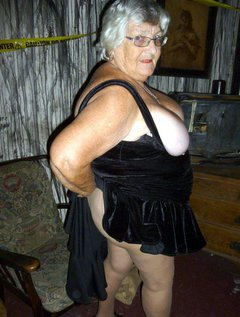 Grandma Libby all dressed up and nowhere to go so I decided to give you all a treat again.This time I am wearing tight