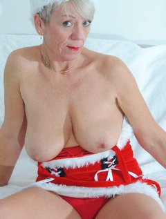 A little striptease to make your christmas