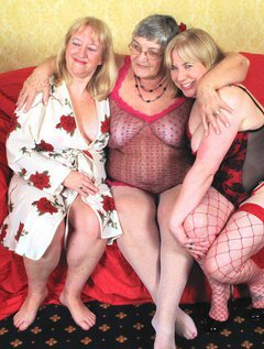Threesome fun again with Grandma Libby and her sexy girlfriends.Put three luscious ladies together on a settee and wai