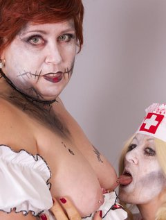 Time for some Zombie Playtime with my good friend Lexie Cummings the Zombie Wench, she had brought a severed arm she had