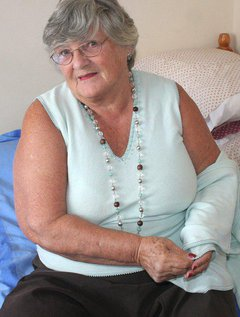 Do you like to see Granny in her corsetsIf so you are in for a treat here as I strip top show you my white satincors