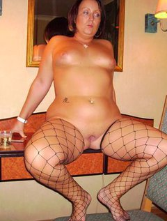 Mature kink lesbian orgy / Picture # 7