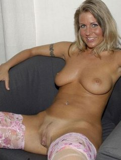 Mature kink lesbian orgy / Picture # 6