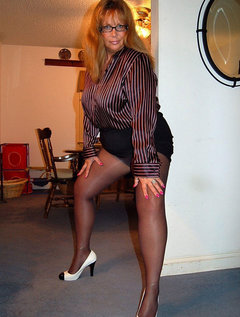 Mature milf milks stud with her mouth / Picture # 7