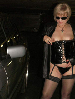Mature milf milks stud with her mouth / Picture # 0